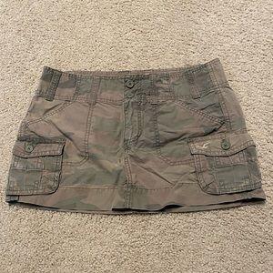 🍓 3/$10 Hollister Mini Camo Skirt